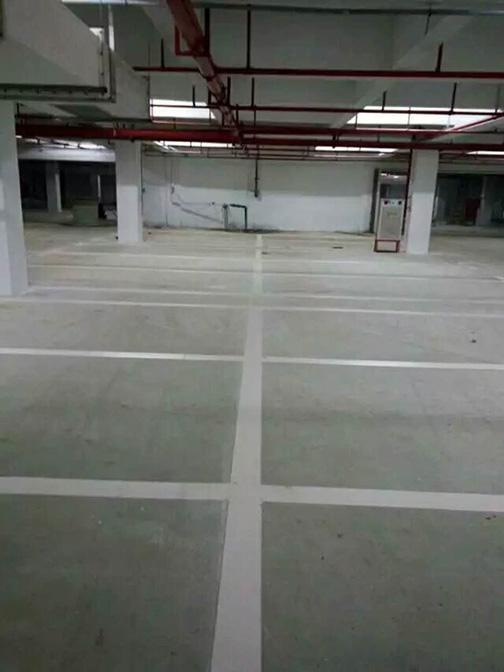 地下停车场车位划线 热熔划线